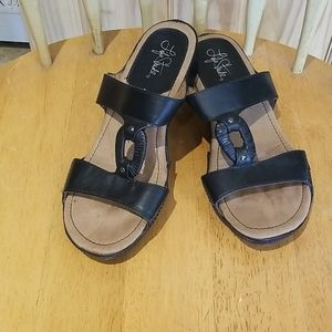 Lifestride slip on sandals